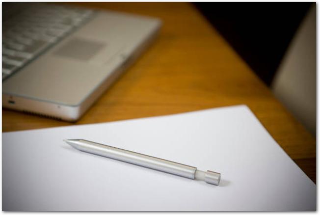 金属製のボールペン